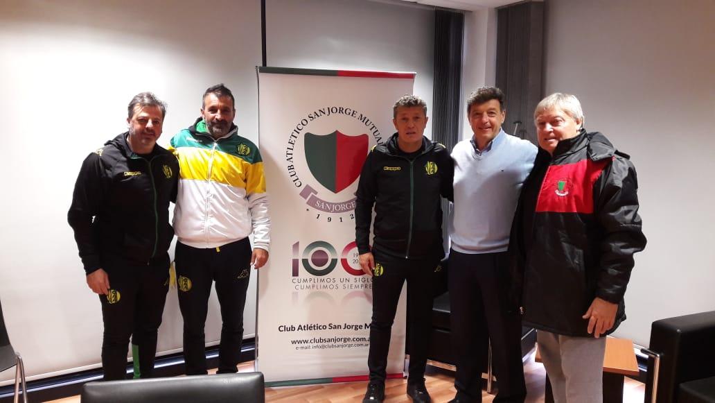 Aldosivi continua reclutando jovenes jugadores en el interior y exterior