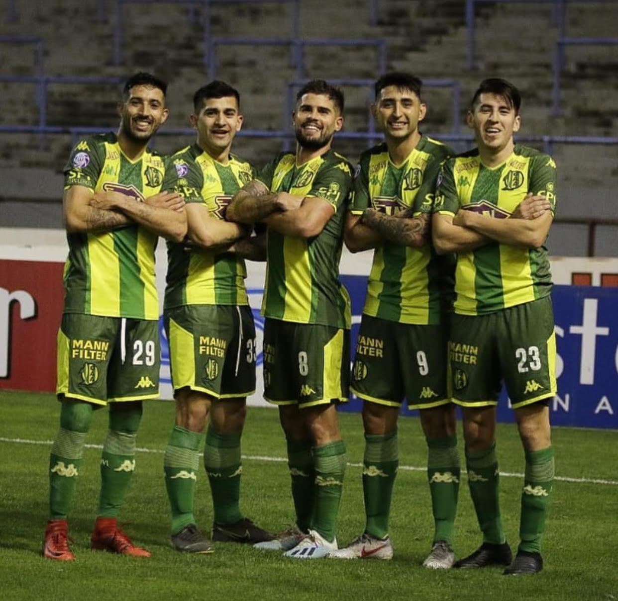 Aldosivi goleó a Atlético Tucumán
