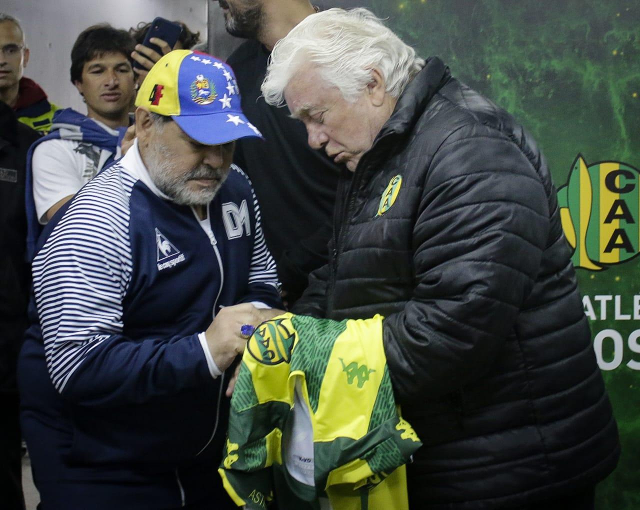 Aldosivi realizó un reconocimiento a Diego Maradona