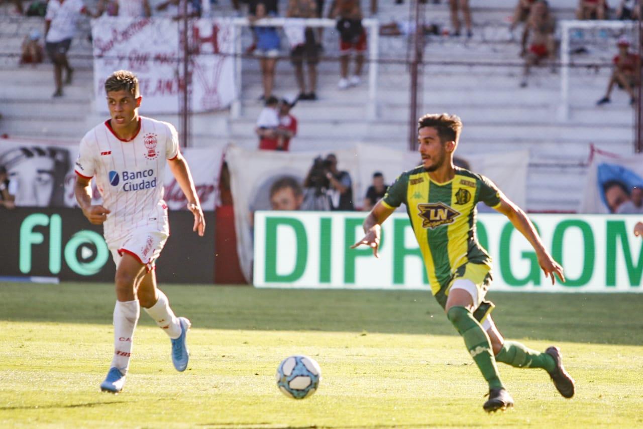 Aldosivi venció 2-0 a Huracán