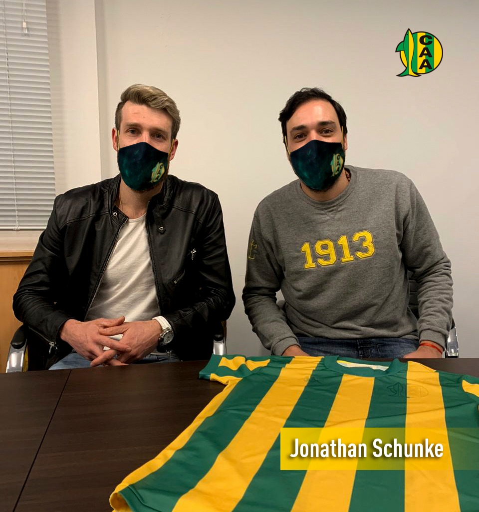 Firmó su contrato Jonathan Schunke