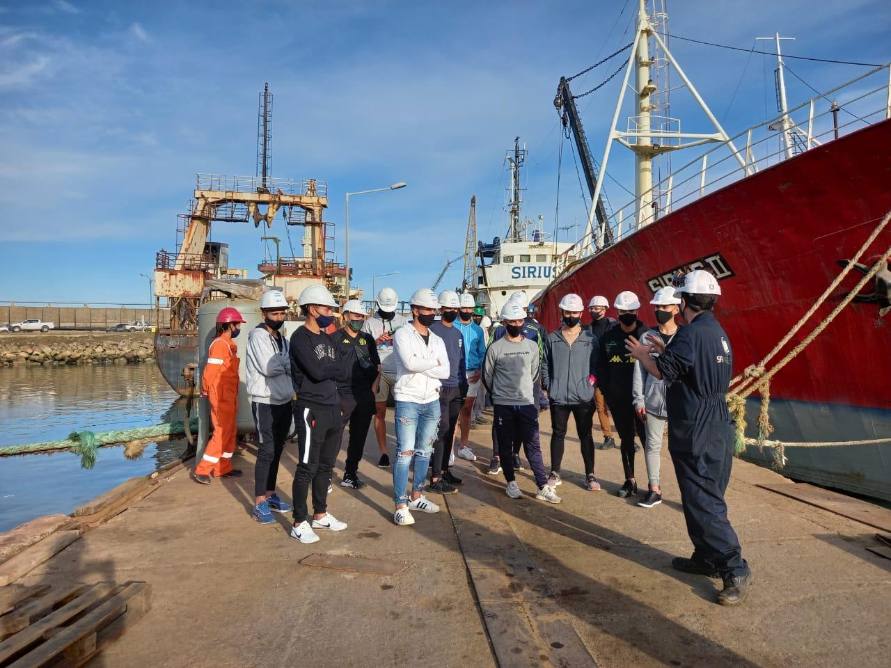 Jugadores de la pensión de Aldosivi realizaron una salida recreativa y visitaron SPI Astilleros.